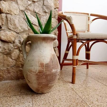 Dzban gliniany do ogrodu, ozdobna donica ceramiczna ogrodowa